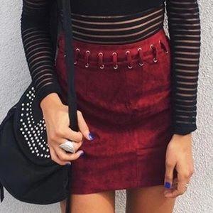 🆕 LD Indikah Maroon High Waisted Suede Skirt Sz 4